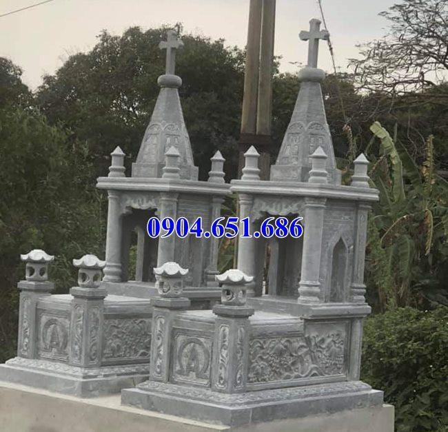 Mẫu mộ đôi công giáo đá xanh rêu thiết kế đẹp