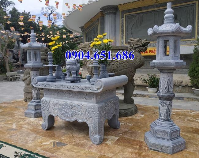 Mẫu bàn lễ đá đẹp đặt ở sân nhà thờ họ, đình chùa
