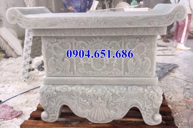 Mẫu bàn lễ đá trắng thiết kế hoa văn tinh xảo