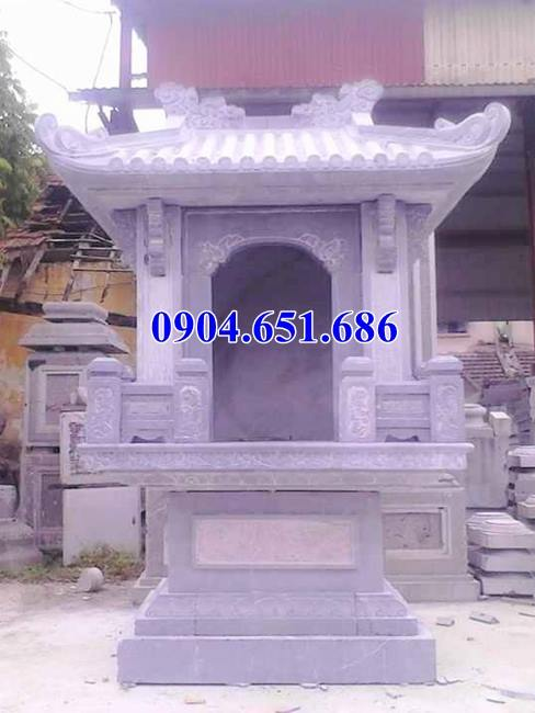 Mẫu miếu thờ thần linh xây bằng đá khối tự nhiên tại Kiên Giang, An Giang