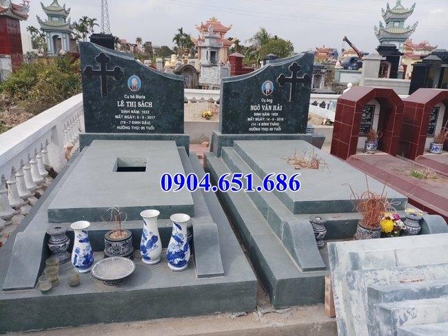 Mẫu mộ đôi công giáo đá xanh rêu đơn giản đẹp bán tại Quảng Ngãi