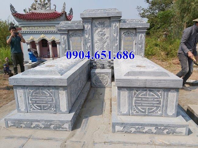 Xây mộ đôi đẹp bằng đá khối tự nhiên để tro cốt ở Sài Gòn