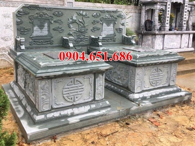 Xây mộ đôi không mái bằng đá xanh rêu cao cấp đẹp tại Quảng Nam