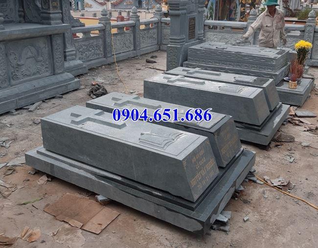 Mẫu mộ đôi công giáo đá xanh rêu đơn giản đẹp