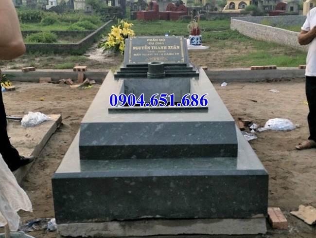 Mẫu mộ đá tại Sài Gòn