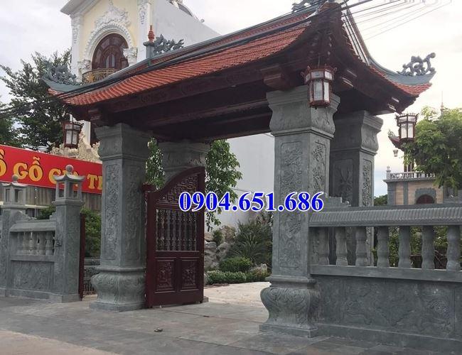 Mẫu cổng bằng đá khối tự nhiên đẹp lắp đặt tại Sài Gòn