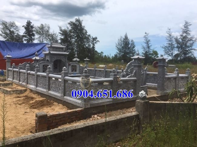 Giá nghĩa trang gia đình bằng đá khối tự nhiên xây tại Quảng Bình